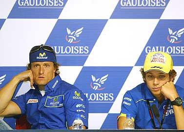 Rossi y Gibernau en rueda de prensa